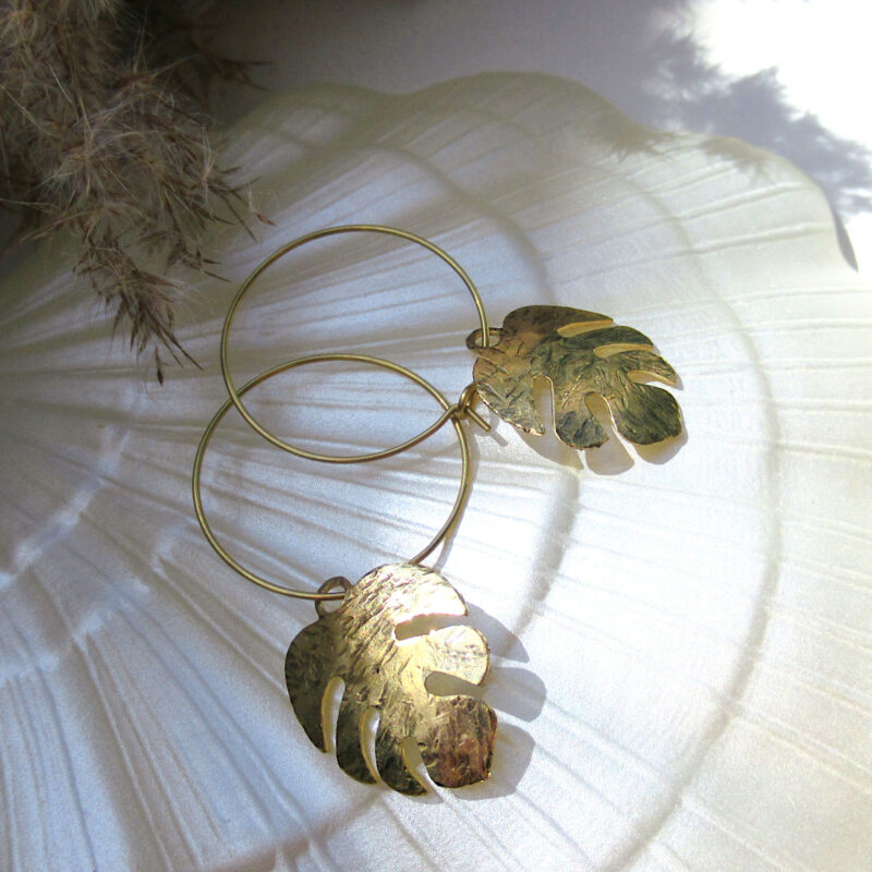 Laridae Design - Mjedene naušnice MONSTERA PETITE